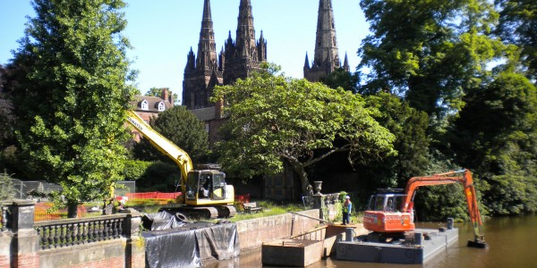 Dredging in front of Lichfield Cathedral