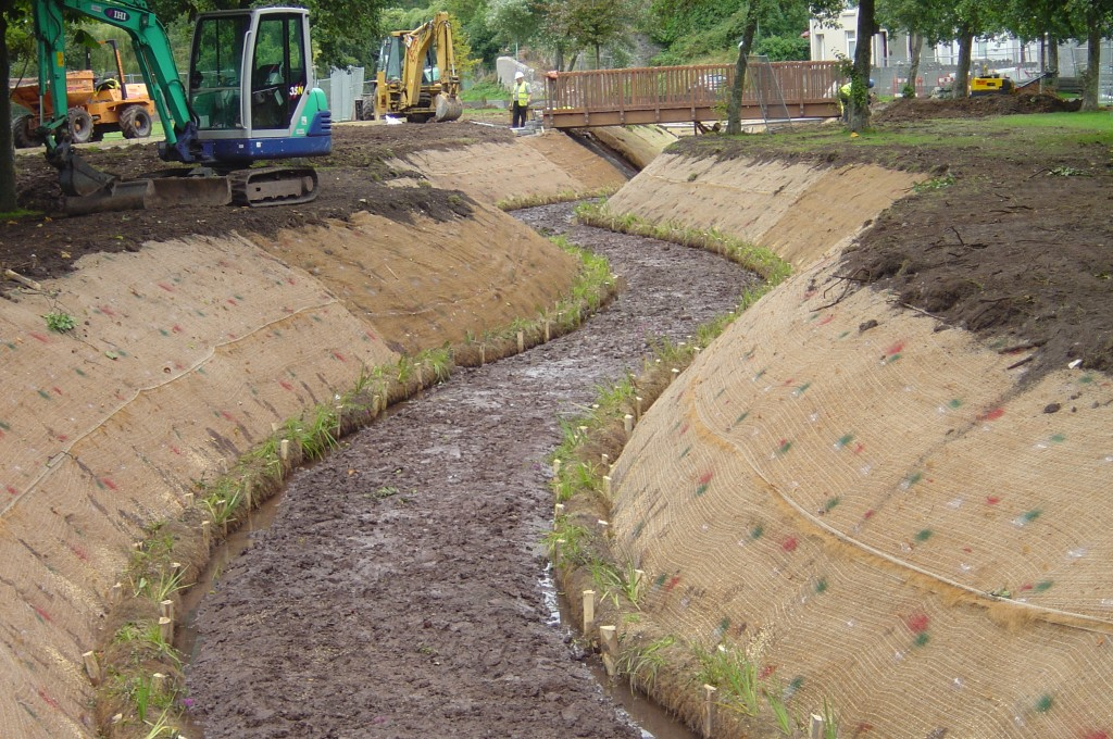 New sinuous channel slopes protected with Bionet C125BN