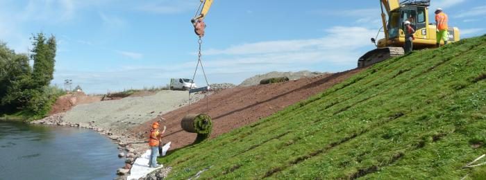 Installing VMax P550 Turf on the Teme