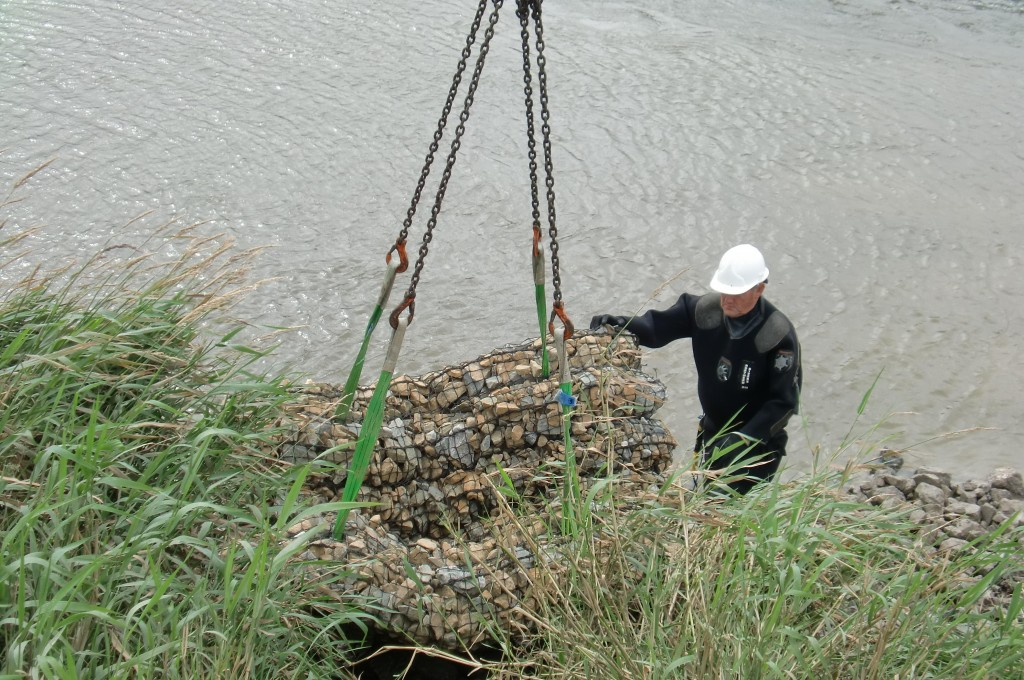 Installing Rock Mattresses on the River Twyi SSSI and SAC site
