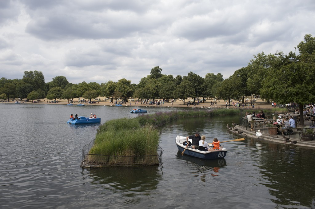 Biohavens helping to improve water quality on the Serpentine in London's Hyde Park