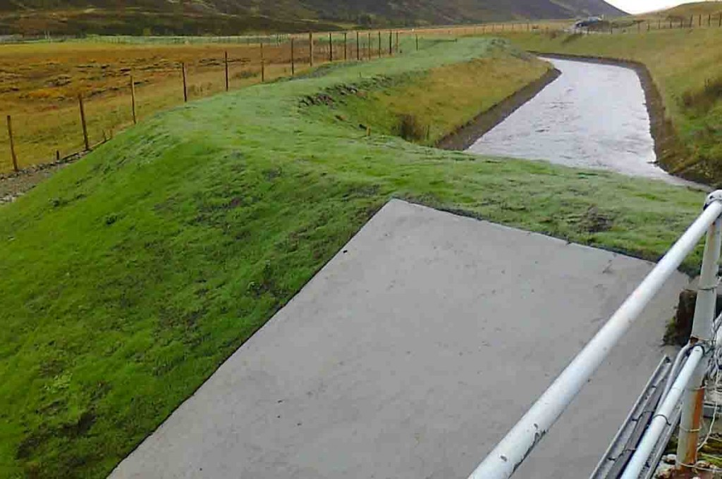 Loch Garry spillway vegetating