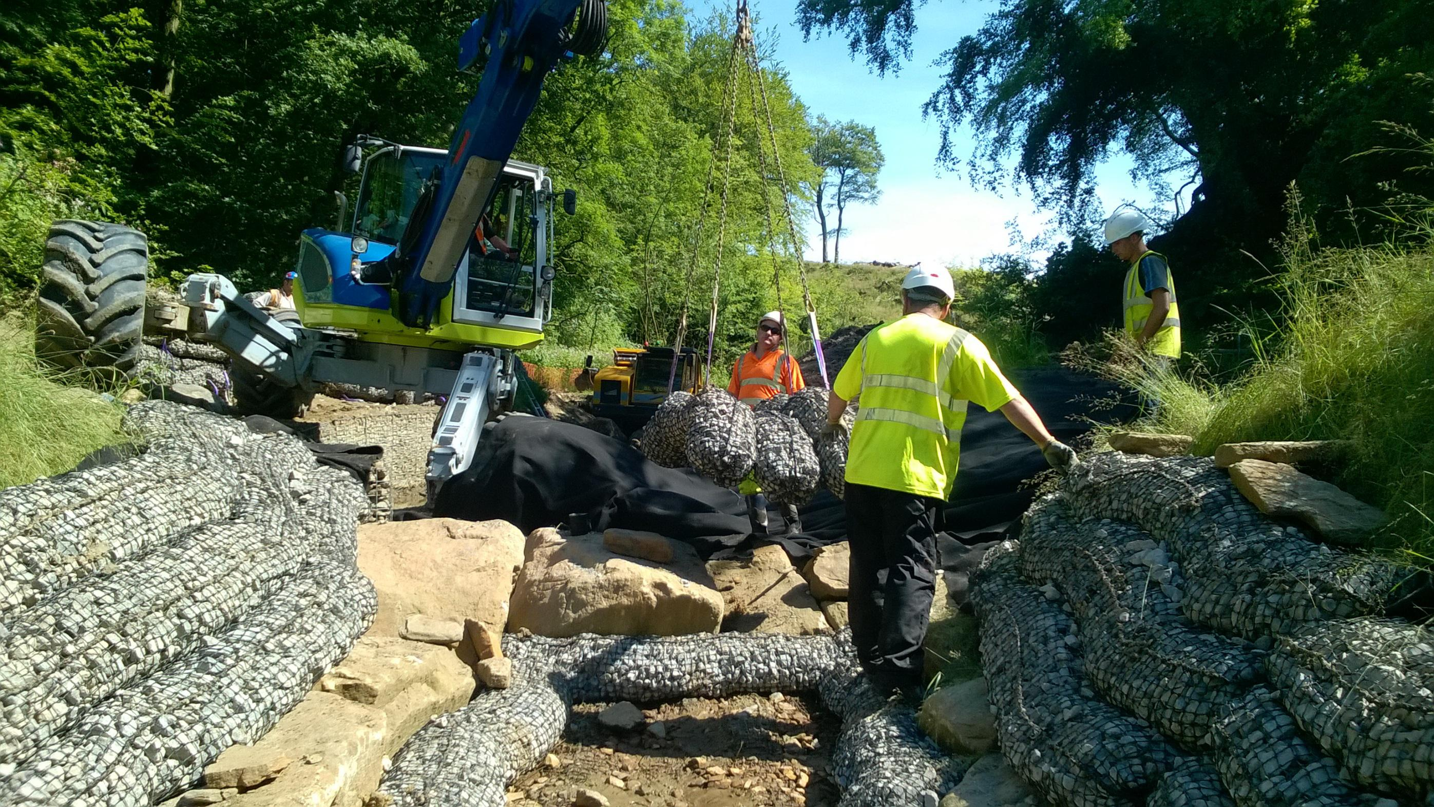 Jack keys laying rock mattresses for erosion control salix for Laying river rock